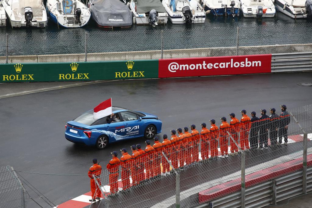 Toyota Mirai  впервые добилась победы на эко-ралли подобного масштаба.