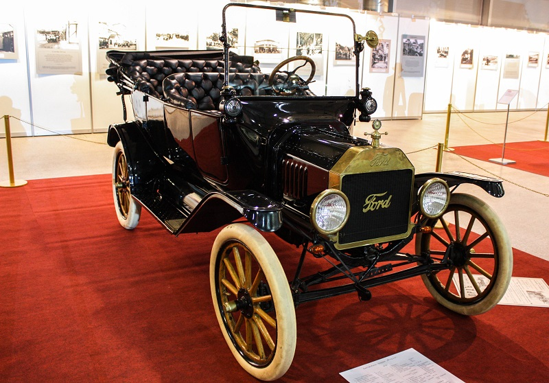 Ford Model T Touring, 1915