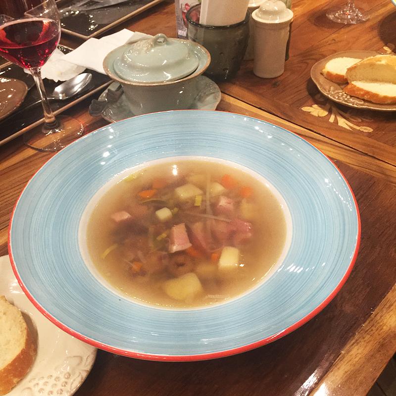 Суп писту с фасолью
