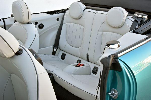 MINI Cooper S Cabrio.
