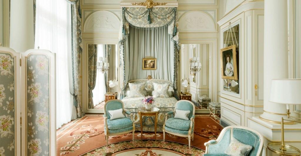 Suite Impériale -настоящий музей для поклонников французского стиля art de vivre.