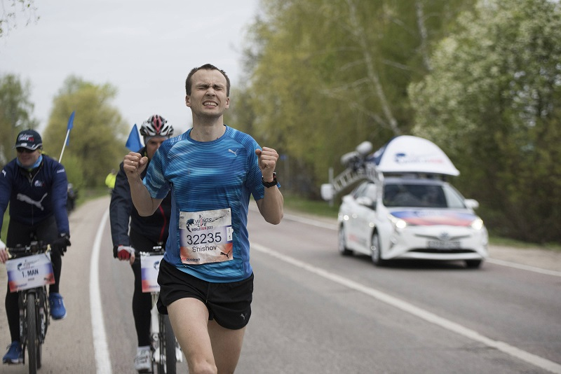 Победитель Константин Шишов за минуту до финиша