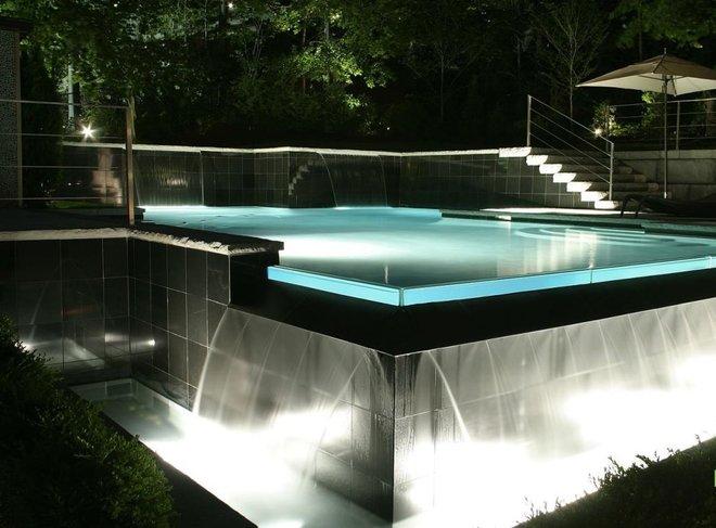 Собственный бассейн.
