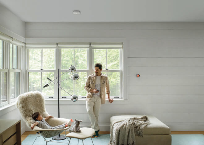 Термостат Nest адаптирует климат для каждого жителя дома.