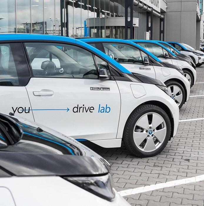 Электромобиль BMW i3 в аренду в сервисе YouDrive