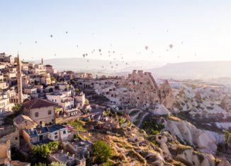 Отель Argos in Cappadocia располагается на склоне крепости Учхисар