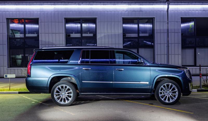 База Cadillac Escalade ESV
